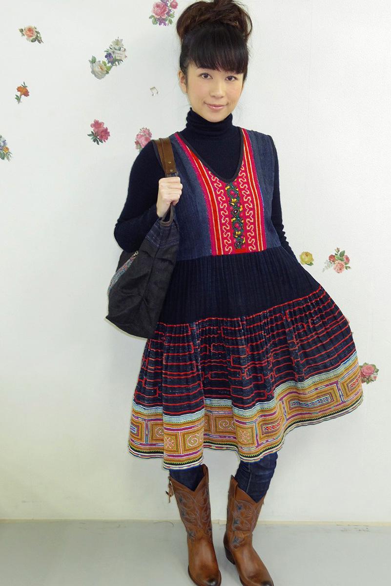 モン族 刺繍ワンピース 藍染 刺繍/ネイビー【ギフト・ラッピング対応可】