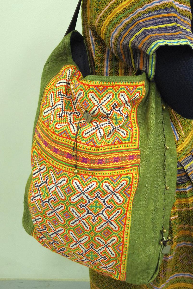 モン族刺繍ショルダーバック刺繍/リネン/アンティーク/モスグリーン【ギフト】【ラッピング】