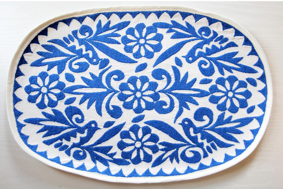 メキシコ・トゥクスペック刺繍ランチョマット・ブルー【ギフト】【ラッピング】【結婚祝い】