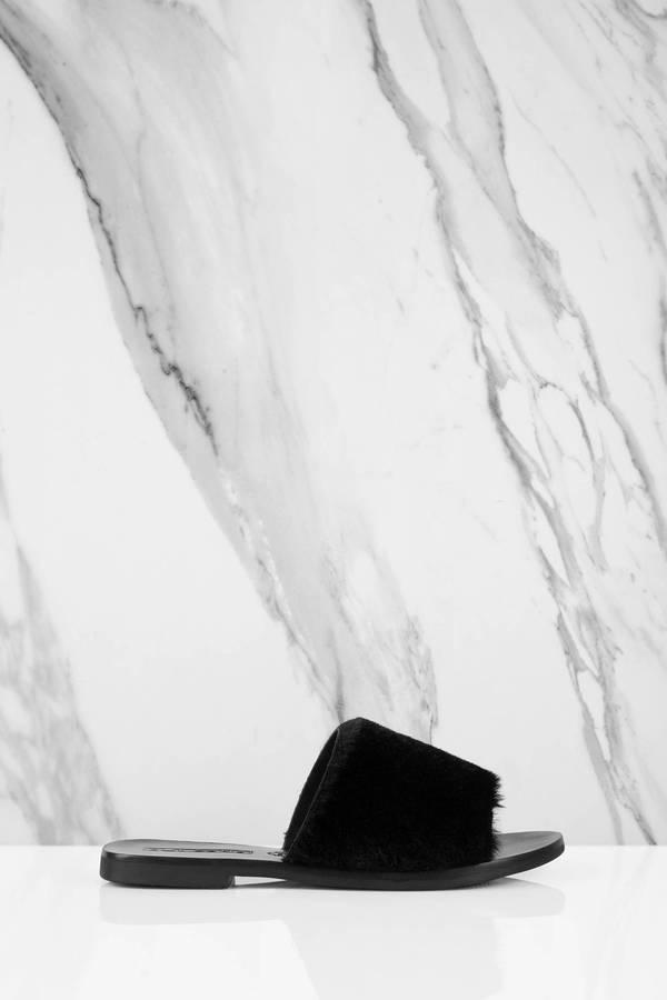 【スーパーセール商品 12/4-12/11】TOBI 【 TERESA FUR SLIDES BLACK 】 送料無料