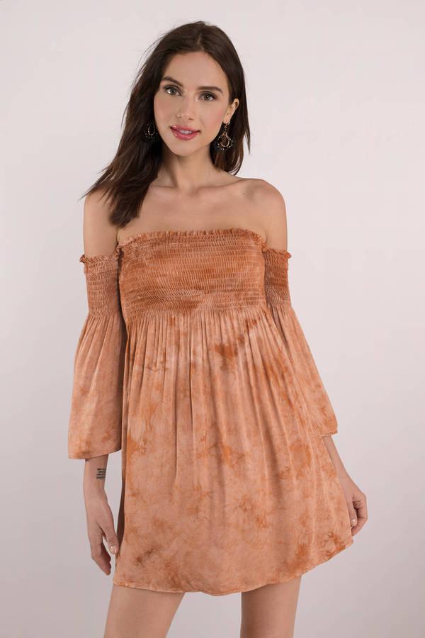 TOBI 【 OFF SHOULDER SMOCKING DRESS PEACH MULTI 】 レディースファッション ドレス 送料無料