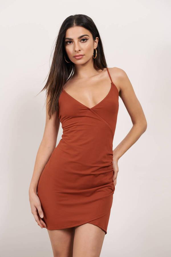 TOBI ドレス 【 TOBI LISTEN TO ME ASYMMETRICAL BODYCON DRESS RUST 】 レディースファッション ドレス