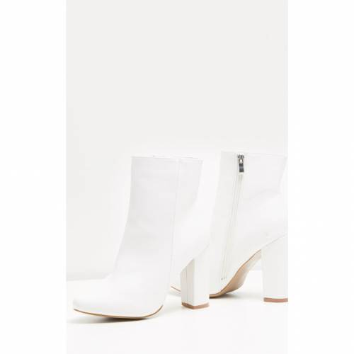INDIGO レザー ブーツ 【 Prettylittlething Behati Faux Leather Ankle Boot 】 White
