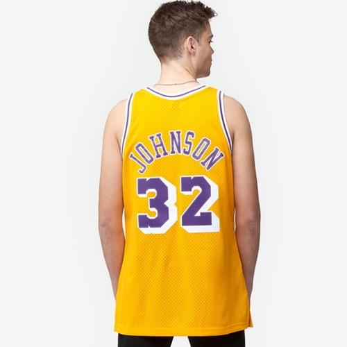 【海外限定】& ジャージ メンズ mitchell ness nba swingman jersey トップス メンズファッション