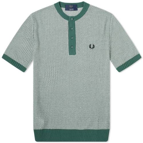 FRED PERRY LAUREL WREATH 【 HENLEY PINE 】 メンズファッション トップス Tシャツ カットソー 送料無料