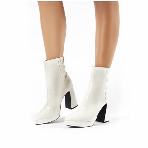 PUBLIC DESIRE 白 ホワイト レディース 【 Tegan White Croc Flare Heeled Ankle Boots 】 White