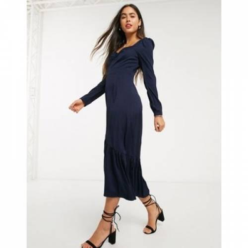 ドレス レディースファッション 【 LIQUORISH MILKMAID DRESS WITH PUFF SLEEVES 】