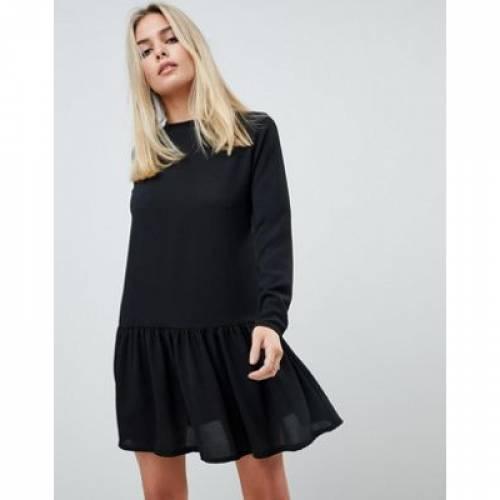 スリーブ ドレス 黒 ブラック レディースファッション ワンピース 【 SLEEVE BLACK PRETTYLITTLETHING LONG FRILL HEM SHIFT DRESS IN 】