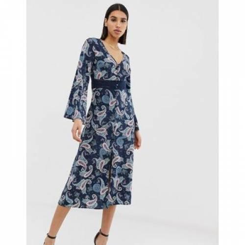 ドレス 青 ブルー レディースファッション ワンピース 【 BLUE PRETTYLITTLETHING MIDI DRESS WITH BRODERIE INSERT IN PAISLEY 】