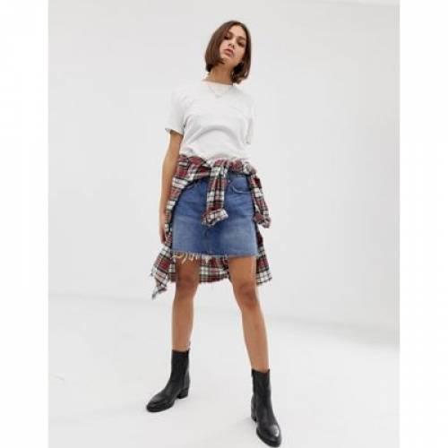 デニム LEVI'S レディースファッション ボトムス スカート 【 DENIM MINI SKIRT WITH RAW HEM 】