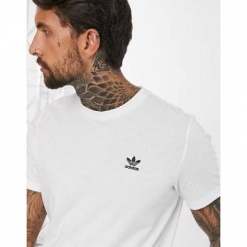 ロゴ Tシャツ 白 ホワイト メンズファッション トップス カットソー 【 WHITE ADIDAS ORIGINALS ESSENTIALS SMALL LOGO TSHIRT IN 】