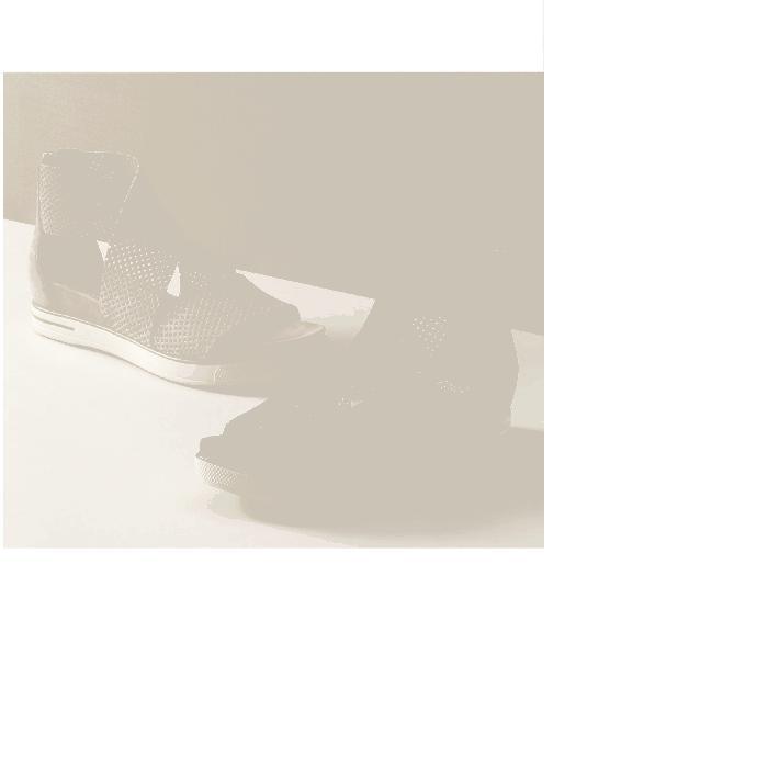 【海外限定】レディース靴 靴 【 EILEEN FISHER SPORT PLATFORM SANDAL 】