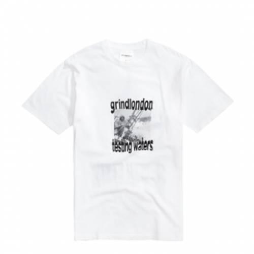 GRINDLONDON 白 ホワイト 【 WHITE GRINDLONDON TESTING WATERS T SHIRT 】 メンズファッション トップス Tシャツ カットソー