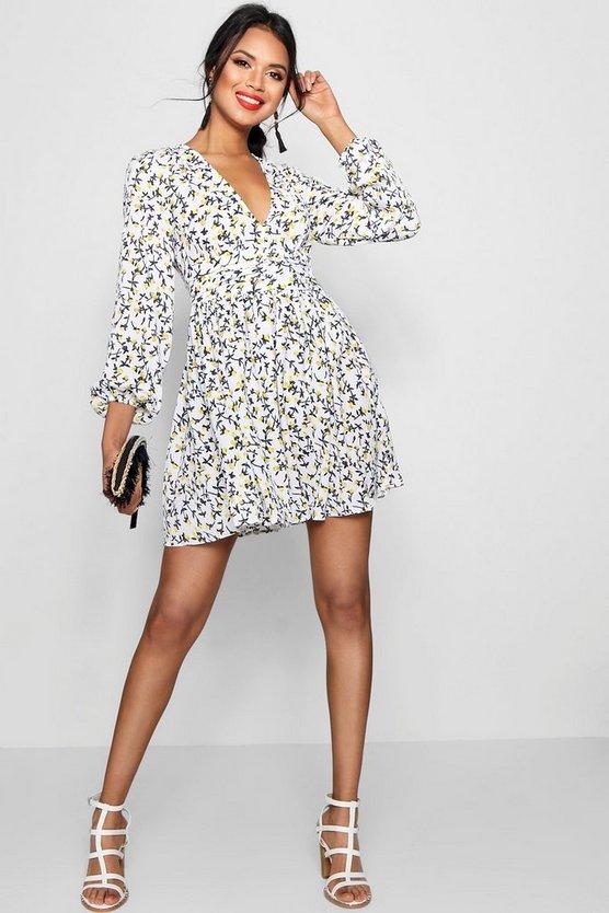 ブーフー BOOHOO ドレス 【 BOOHOO RUCHED WAIST FLORAL TEA DRESS IVORY 】 レディースファッション ワンピース
