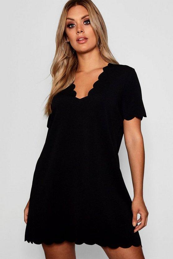ブーフープラス BOOHOO PLUS ドレス レディースファッション ワンピース レディース 【 Plus Scallop Edge V Neck Shift Dress 】 Black