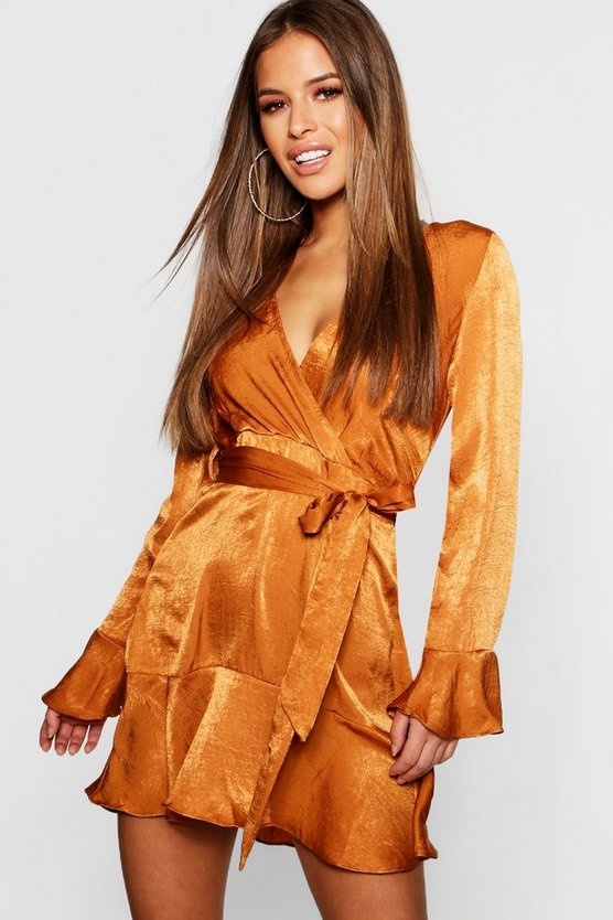 ブーフープチ BOOHOO PETITE サテン ドレス レディースファッション ワンピース レディース 【 Petite Hammered Satin Flare Ruffle Skater Dress 】 Copper