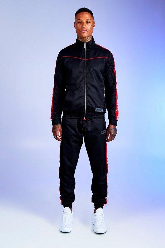 BOOHOOMAN シェル 赤 レッド 黒 ブラック 【 SHELL RED BLACK BOOHOOMAN DENO DRIZ TRACKSUIT WITH MAN TAPE 】 メンズファッション