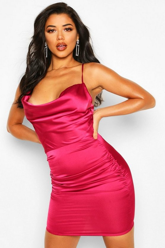 BOOHOO BOUTIQUE サテン ドレス 【 BOOHOO BOUTIQUE FLORENCE SATIN COWL NECK BODYCON DRESS RASPBERRY 】 レディースファッション ワンピース