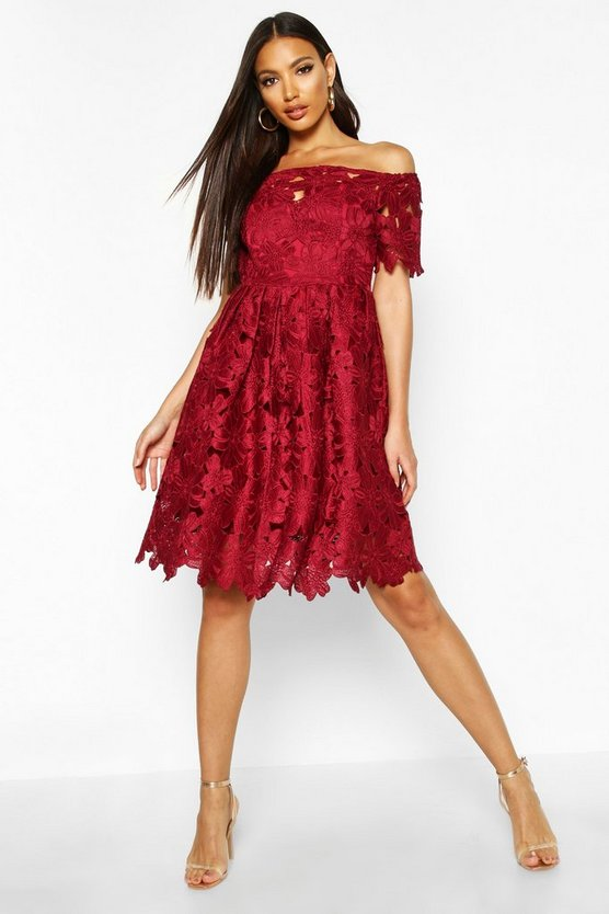 BOOHOO BOUTIQUE ドレス 【 BOOHOO BOUTIQUE OFF SHOULDER LACE SKATER DRESS BERRY 】 レディースファッション ワンピース