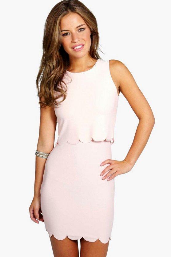 BOOHOO BASICS ドレス 【 BOOHOO BASICS PETITE DOUBLE LAYER SCALLOP HEM DRESS NUDE 】 レディースファッション ワンピース