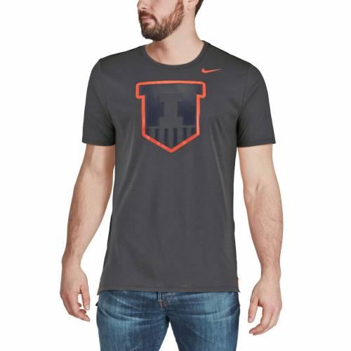 ナイキ NIKE イリノイ パフォーマンス Tシャツ メンズファッション トップス カットソー メンズ 【 Illinois Fighting Illini Travel Meshback Performance T-shirt - Anthracite 】 Anthracite