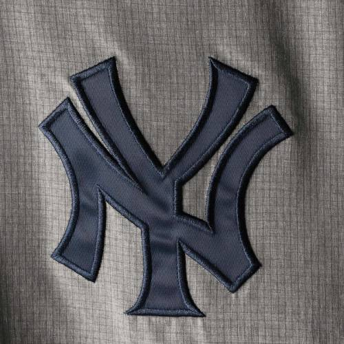 G-III SPORTS BY CARL BANKS ヤンキース ブイネック メンズファッション コート ジャケット メンズ 【 New York Yankees Clutch Hitter Pullover V-neck Jacket - Navy/gray 】 Navy/gray