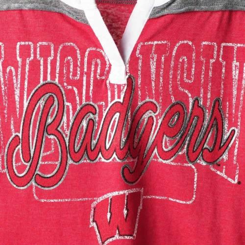 5TH & OCEAN BY NEW ERA ウィスコンシン レディース ストライプ Tシャツ 赤 レッド レディースファッション トップス カットソー 【 Wisconsin Badgers 5th And Ocean By New Era Womens Split Neck 3/4-sleeve Stri