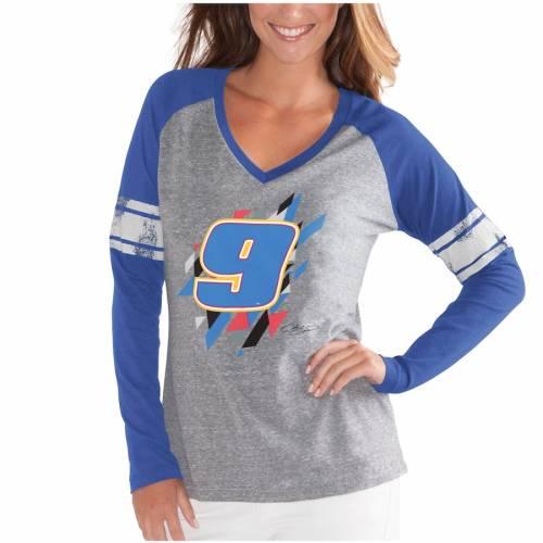 G-III 4HER BY CARL BANKS チェイス レディース フランチャイズ ラグラン ブイネック スリーブ Tシャツ 灰色 グレー グレイ レディースファッション トップス カットソー 【 Chase Elliott Womens The