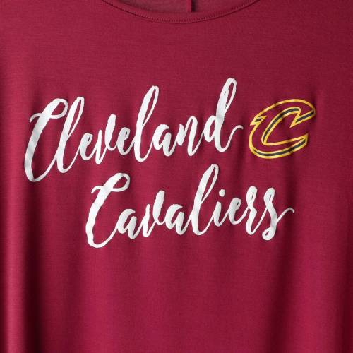 GAMEDAY COUTURE クリーブランド キャバリアーズ レディース スリーブ Tシャツ レディースファッション トップス カットソー 【 Cleveland Cavaliers Womens Striking In Stripes 3/4 Sleeve Tunic T-shirt - Wine 】
