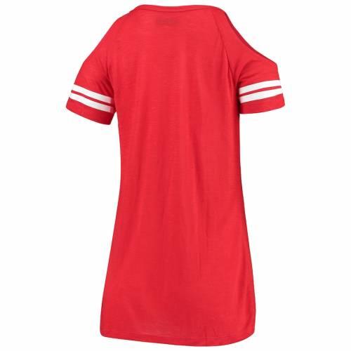 ニューエラ NEW ERA バッカニアーズ レディース Tシャツ 赤 レッド レディースファッション トップス カットソー 【 Tampa Bay Buccaneers Womens Varsity Cold Shoulder T-shirt - Red 】 Red