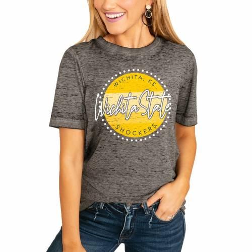 スポーツブランド カジュアル ファッション ギフト ゲームデイカルチャー GAMEDAY COUTURE ランキング総合1位 スケートボード レディース フリー Tシャツ チャコール WOMEN'S BOYFRIEND TSHIRT WICHITA CHARCOAL FADED STATE SHOCKERS FREE レディースファッシ