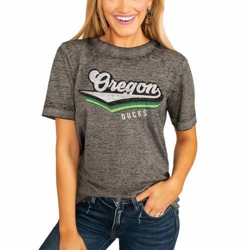 スポーツブランド カジュアル ファッション ゲームデイカルチャー GAMEDAY 予約 COUTURE オレゴン ダックス レディース Tシャツ チャコール BOYFRIEND レディースファッション VIVACIOUS WOMEN'S 日本製 TSHIRT VARSITY CHARCOAL トップス