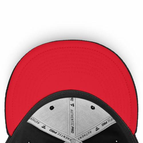 FANATICS BRANDED シカゴ オーセンティック プロ 黒 ブラック バッグ キャップ 帽子 メンズキャップ メンズ 【 Chicago Blackhawks Authentic Pro Rinkside Fitted Hat - Black 】 Black