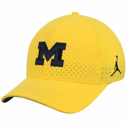 JORDAN BRAND ミシガン クラシック サイドライン パフォーマンス 紺 ネイビー バッグ キャップ 帽子 メンズキャップ メンズ 【 Michigan Wolverines Classic 99 Sideline Performance Flex Hat - Navy 】 Maize