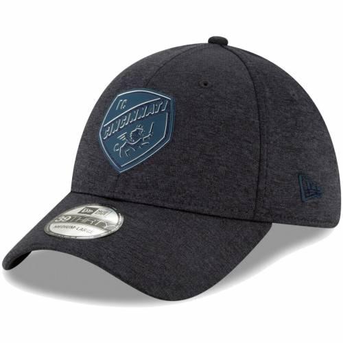 ニューエラ NEW ERA シンシナティ ロゴ 黒 ブラック バッグ キャップ 帽子 メンズキャップ メンズ 【 Fc Cincinnati Logo Shade 39thirty Flex Hat - Heathered Black 】 Heathered Black