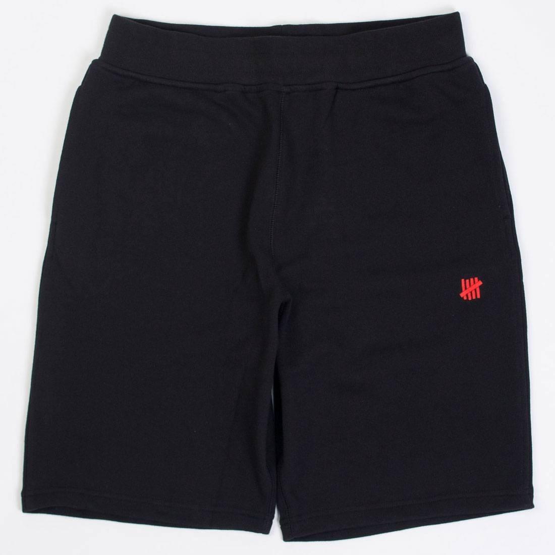 UNDEFEATED ストライク フォール 黒 ブラック 【 BLACK UNDEFEATED MEN 5 STRIKE FALL 2017 SWEATSHORTS 】 メンズファッション ズボン パンツ