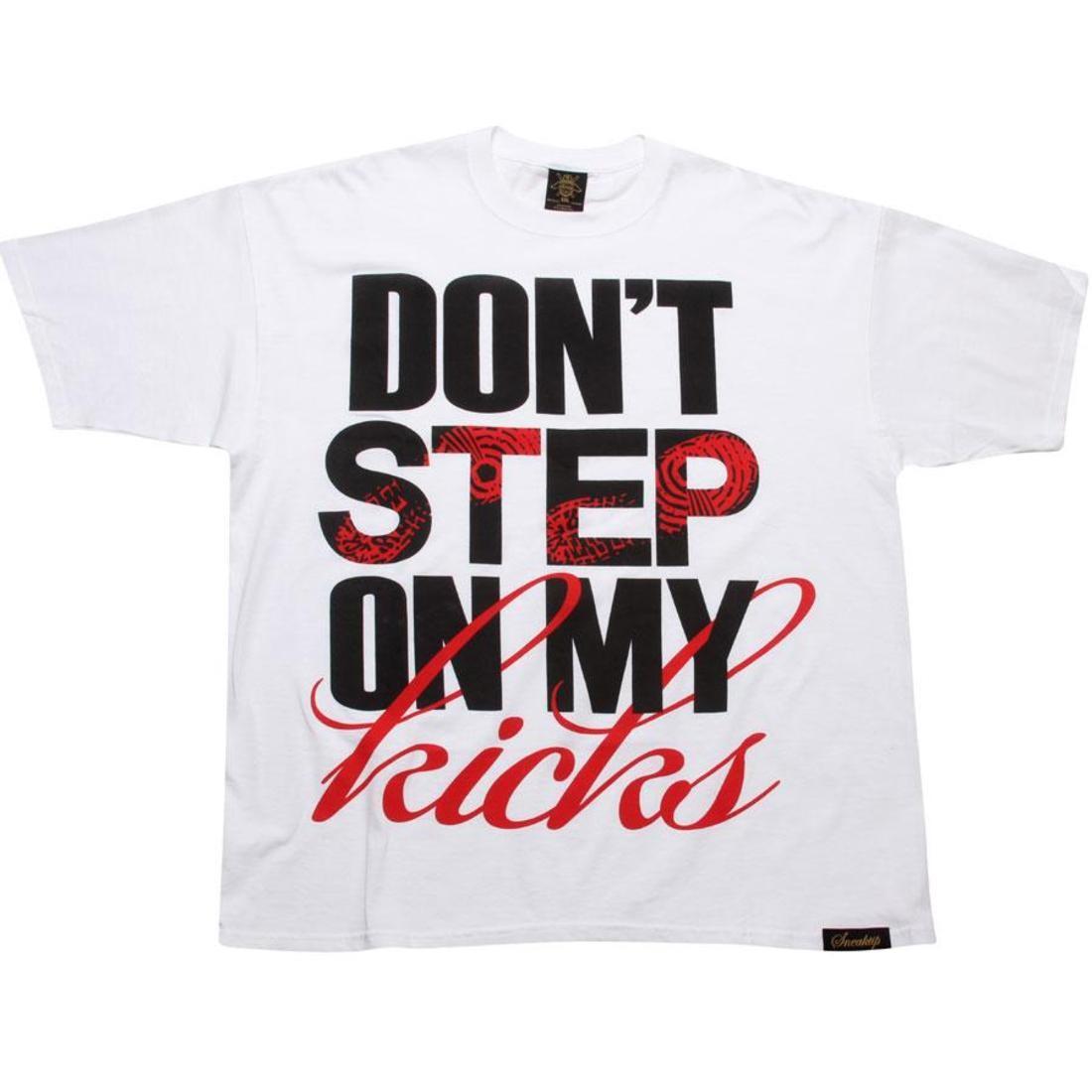 SNEAKTIP スニークティップ Tシャツ 黒 ブラック 白 ホワイト 赤 レッド 【 BLACK WHITE RED SNEAKTIP DONT STEP ON MY KICKS TEE 】 メンズファッション トップス Tシャツ カットソー