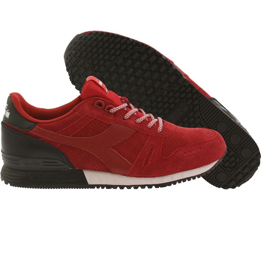 【海外限定】スエード スウェード 靴 メンズ靴 【 DIADORA MEN TITAN SUEDE RED CHILI PEPPER BLACK 】