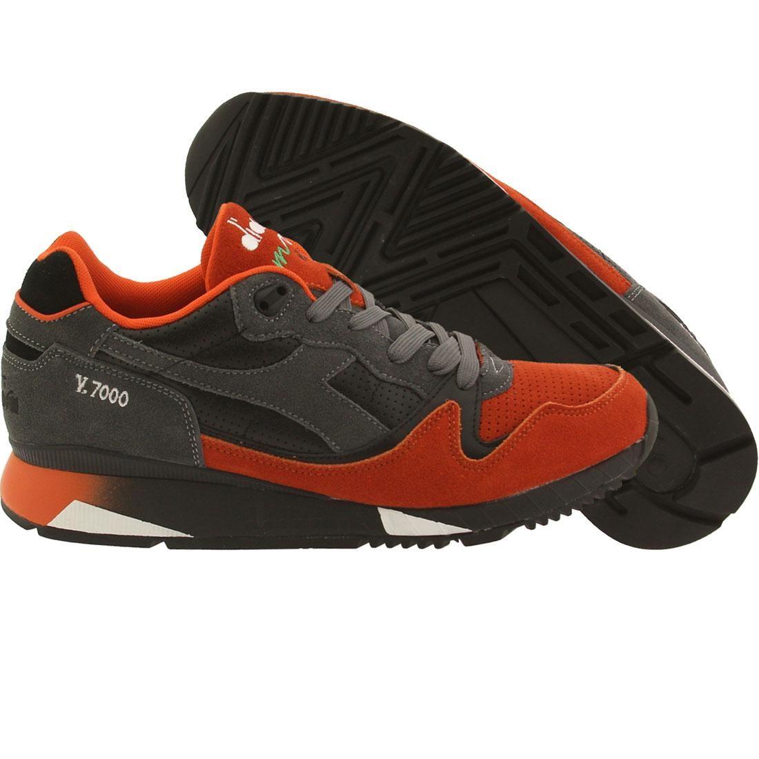 【海外限定】橙 オレンジ メンズ靴 靴 【 ORANGE DIADORA MEN V7000 BLACK CASTLEROCK 】