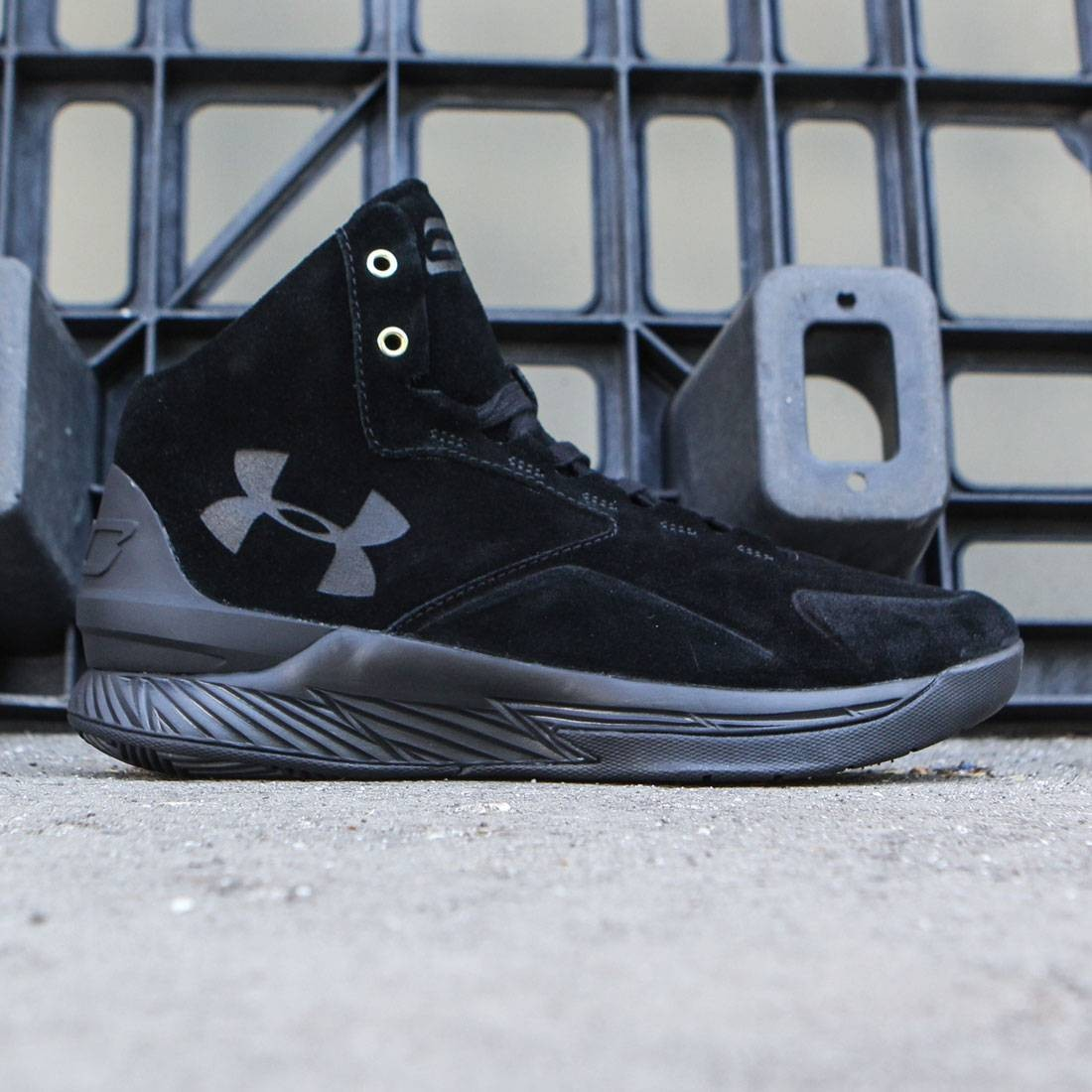 【海外限定】カリー ミッド アルファ アンダーアーマー 靴 メンズ靴 【 CURRY UNDER ARMOUR X STEPH MEN 1 MID ALPHA LUX PACK BLACK 】