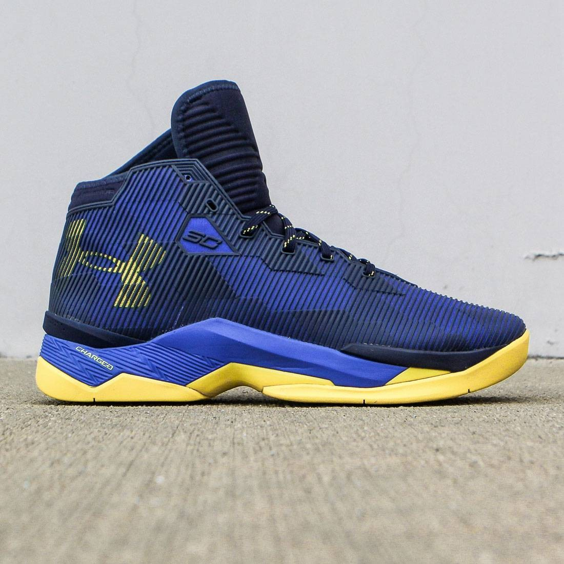 【海外限定】カリー アンダーアーマー 2.5 メンズ靴 スニーカー 【 CURRY UNDER ARMOUR X STEPH MEN DUB NATION ROYAL PLAYOFF PE BLUE YELLOW 】