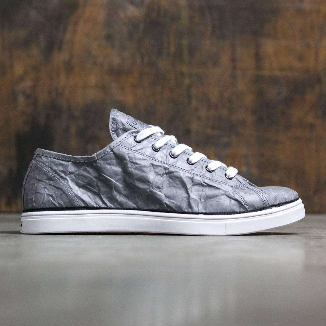 【海外限定】GRAY灰色 グレイ 靴 スニーカー 【 GREY UNSTITCHED UTILITIES NEXT DAY LOW COOL BLACK 】