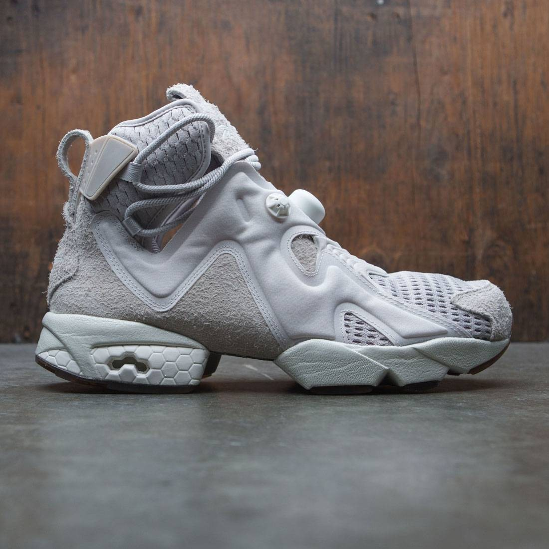 【海外限定】リーボック 砂色 サンド メンズ靴 靴 【 REEBOK X FUTURE MEN FURIKAZE BEIGE SAND STONE CHALK GUM 】