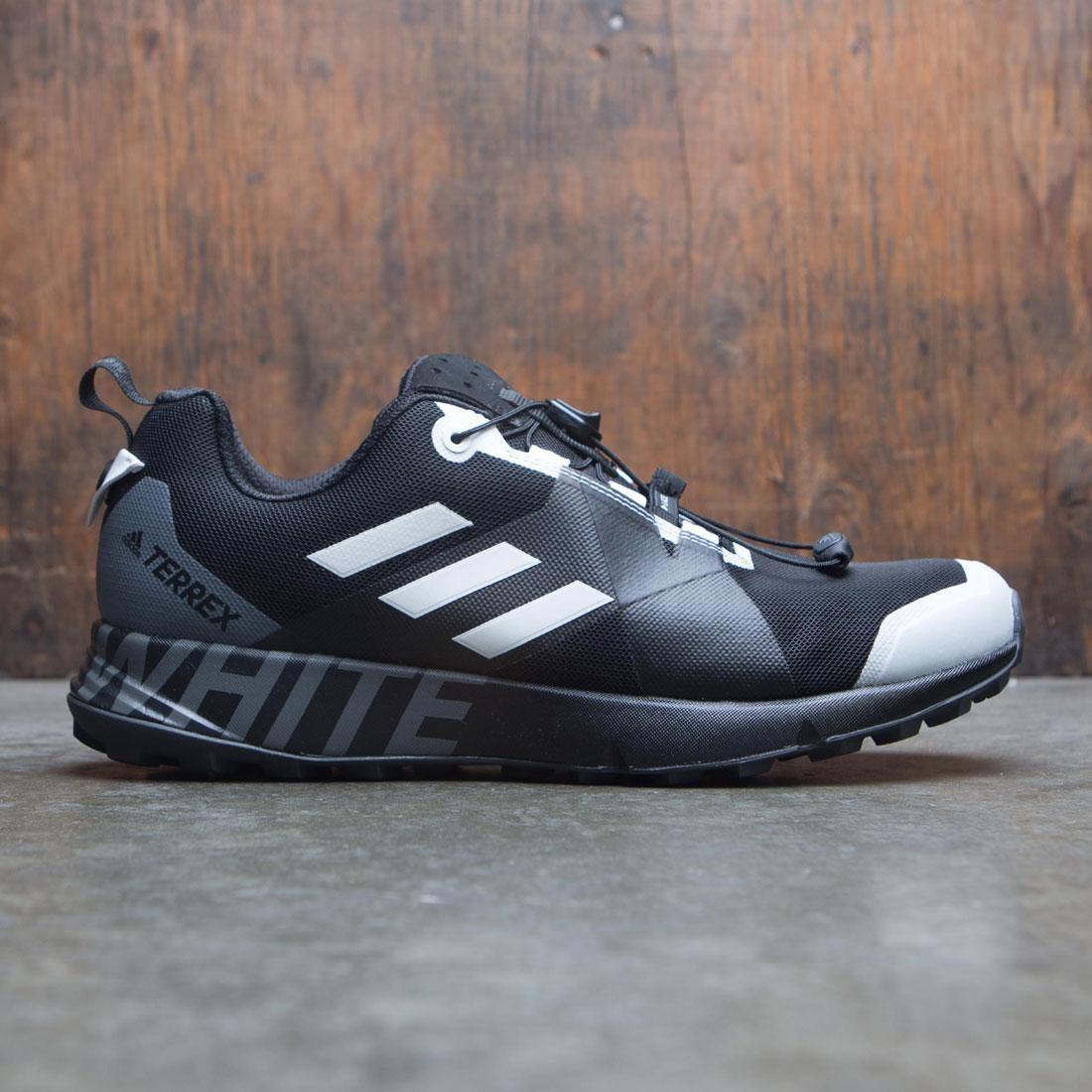 【海外限定】アディダス 白 ホワイト スニーカー 靴 【 ADIDAS WHITE X MOUNTAINEERING MEN WM TERREX TWO GTX BLACK FOOTWEAR 】