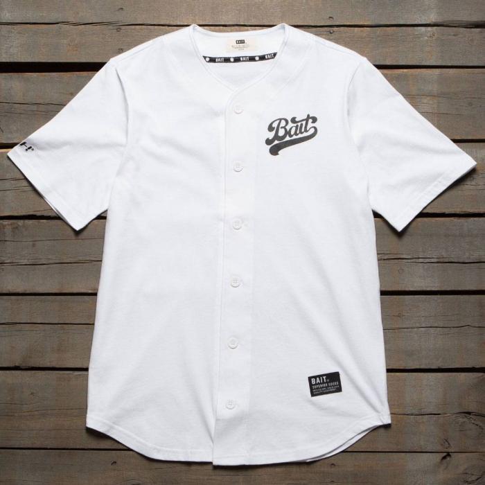 メン スクリプト ロゴ ベースボール ジャージ シャツ 白 ホワイト トップス 半袖 Tシャツ メンズファッション カットソー 【 BAIT MEN SCRIPT LOGO BASEBALL JERSEY SHIRT WHITE 】