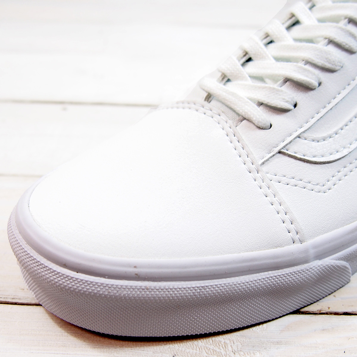 vn0a38g1odj VANS OLD SKOOL (CLASSIC TUMBLE)TRUE WHITE vans old school classic tongue bulldog toe roux white
