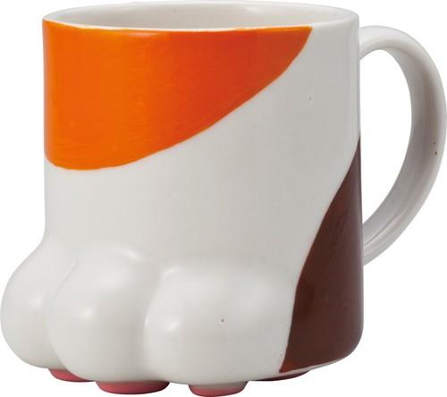 裏には肉球がついているたまらなくかわいいマグカップです 値下げ 肉球マグカップ 特別セール品 三毛猫 コップ《サンアート》 ネコ