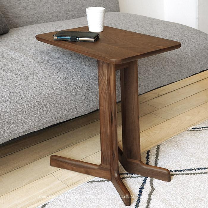 ※現在ウォールナット材欠品中、次回入荷予定は12月下旬頃です。サイドテーブル コーヒーテーブル 個性的なコの字デザイン ウォールナット材 ウォールナット無垢材 レッドオーク材