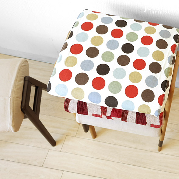 看似橡胶材洁净材天然木木制椅子可爱的堆积凳子重叠能够放的便利的椅子天然颜色棕色色MONICA-STOOL