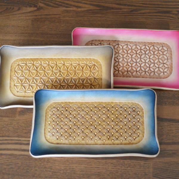スタンピング技法で模様を刻み込んだ皮革工芸品 売却 ハイクオリティ レザートレイ マネートレー ペントレー キャッシュトレー 小物置き 小物入れ 皮革製品 本革 ヌメ革 スタンピング
